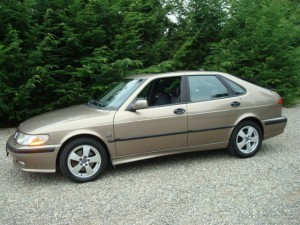 2002 Saab 9-3 SE brown