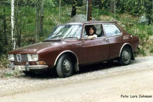 Brown Saab 99
