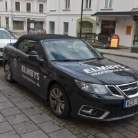 Local driving school, you are in Trollhättan when you can take your licence in a Saab cab!