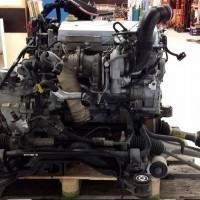 Complete engine with gearbox and drive-shafts ready